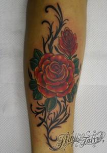 赤いバラのタトゥー(前腕)28